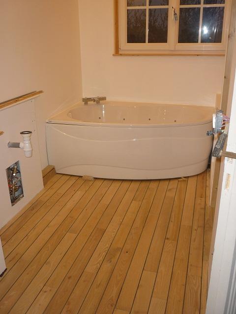 parquet pour salle de bain en robinier parquet pour salle. Black Bedroom Furniture Sets. Home Design Ideas